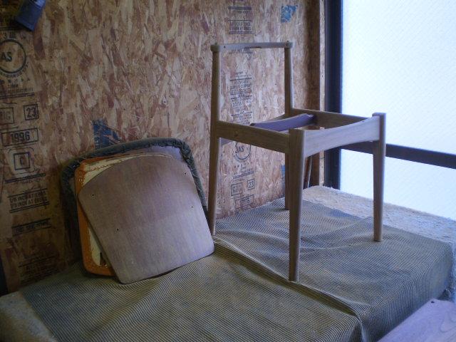 ダイニングチェア 分解 ウレタン交換 ビンテージ ヴィンテージ 北欧家具