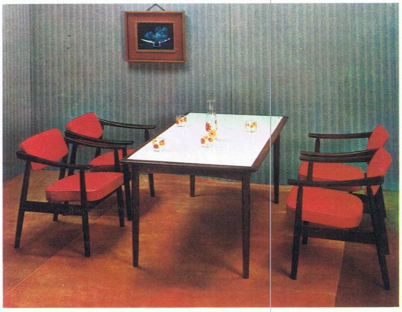 Dチェアを食卓に使用した風景