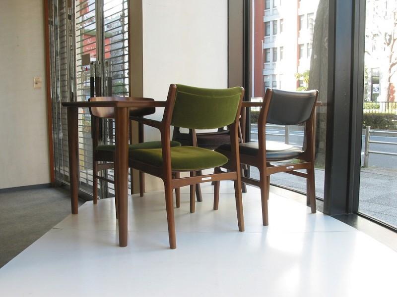 カリモク60+ ダイニングテーブル(W1500)ウォールナット色14