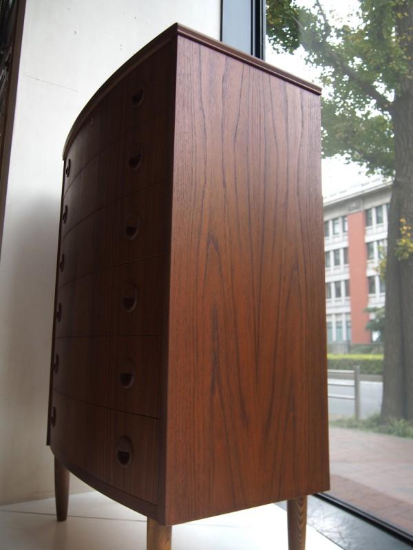 ビンテージ北欧家具のチェスト