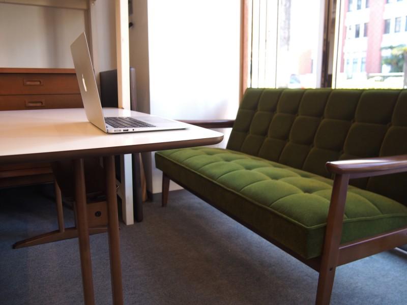 カリモク60+ カフェテーブルW1200 天板ホワイト (横幅1180mmです)5