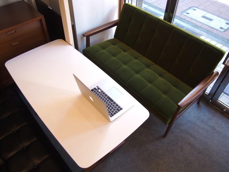 カリモク60+ カフェテーブルW1200 天板ホワイト (横幅1180mmです)6