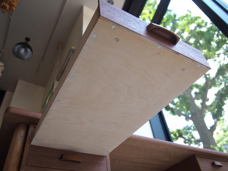 ビンテージ北欧家具のデスク