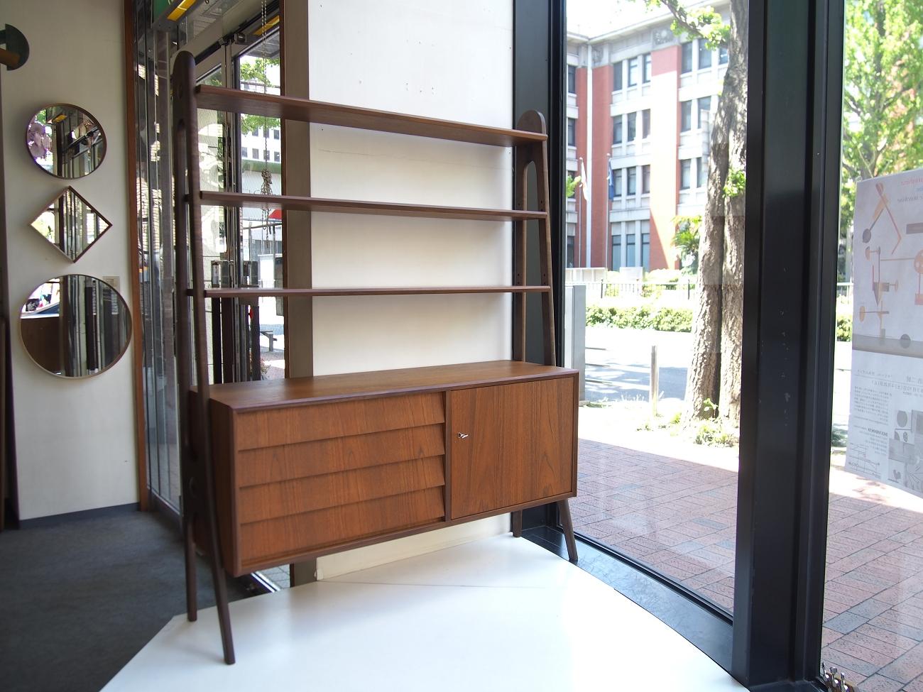 ビンテージ北欧家具のオープンシェルフ
