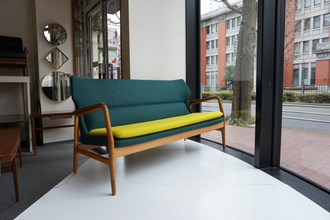 アクセル・ベンダー・マッセン(マドセン)Bovenkamp社製の美しい3人掛けソファ。(和室にも合うツートン)