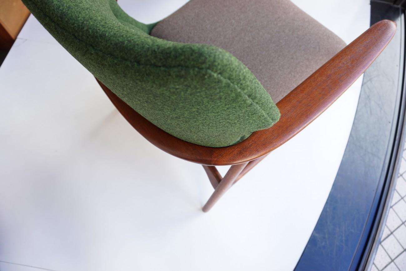 背面 アクセル・ベンダー・マッセン bovenkamp社製のソファ