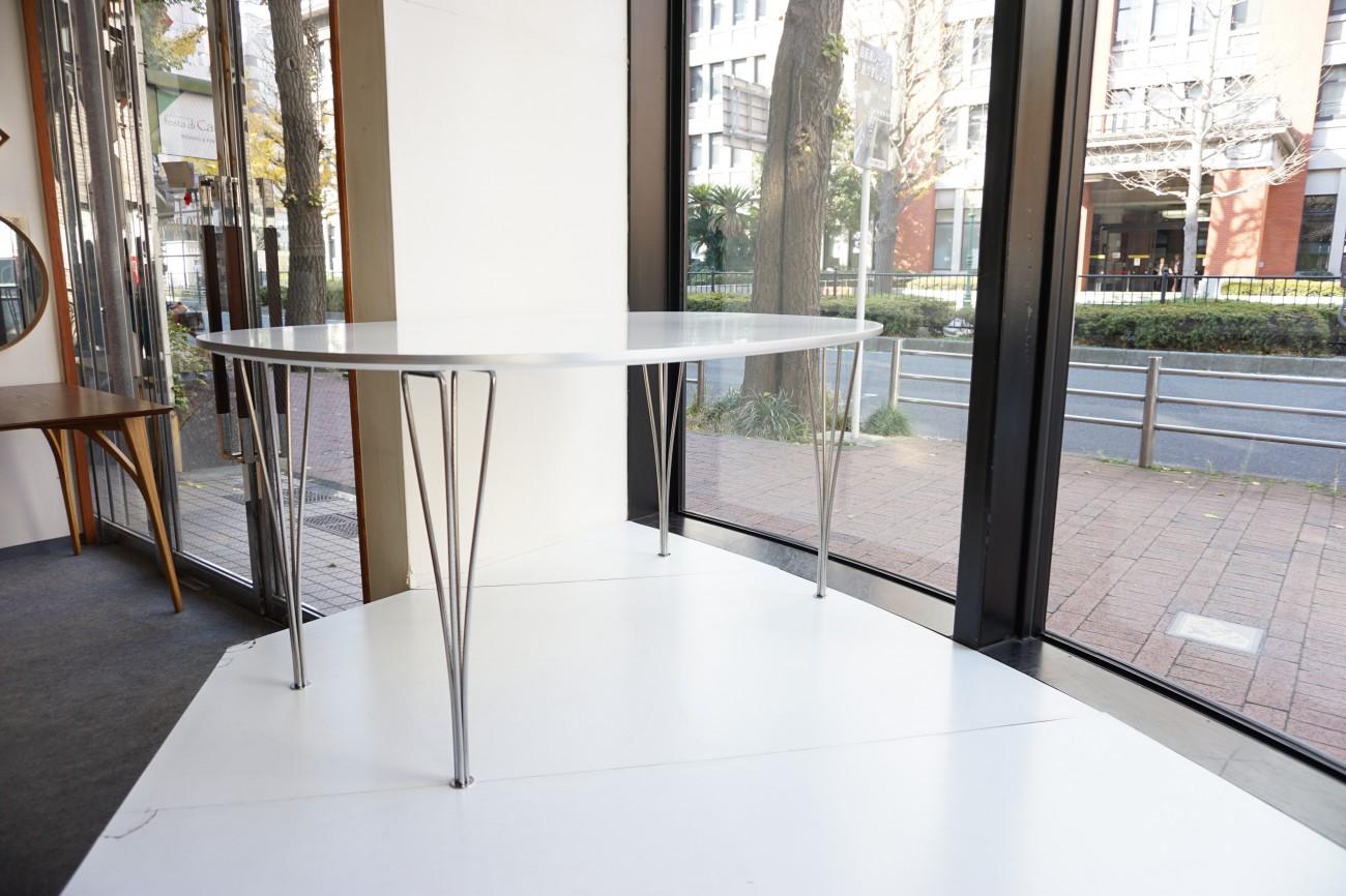 フリッツハンセンのダイニングテーブル