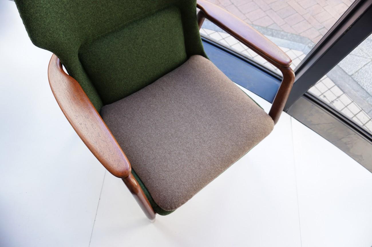 座面アップ アクセル・ベンダー・マッセン bovenkamp社製のソファ