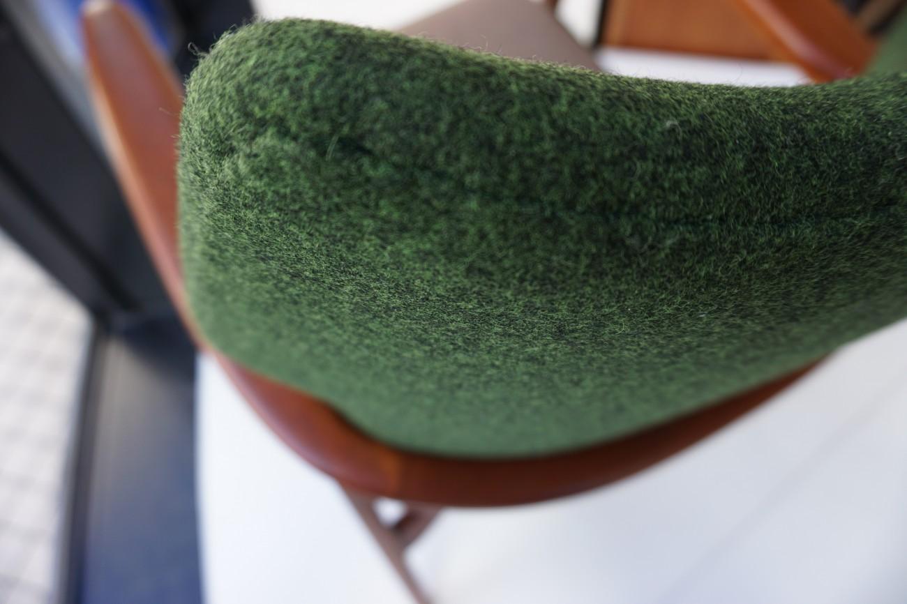 生地アップ アクセル・ベンダー・マッセン bovenkamp社製のソファ