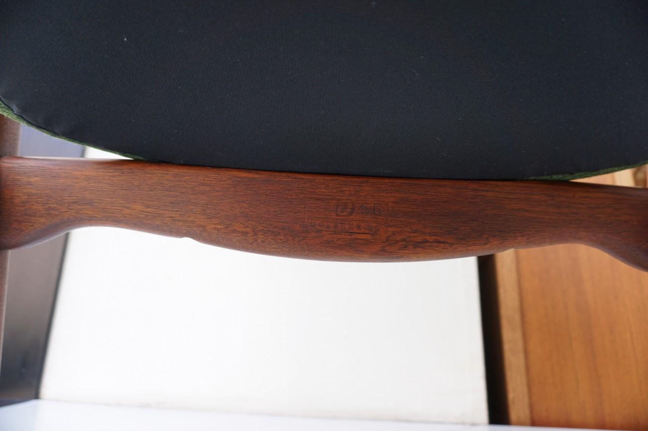 刻印 アクセル・ベンダー・マッセン bovenkamp社製のソファ