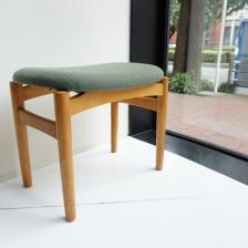ビンテージ北欧家具のスツール