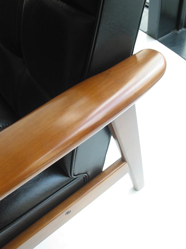 カリモク60 Kチェア2シーター スタンダードブラックの木部詳細2