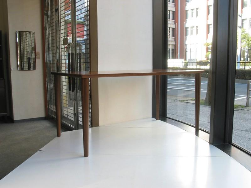 カリモク60+ ダイニングテーブル(W1500)ウォールナット色