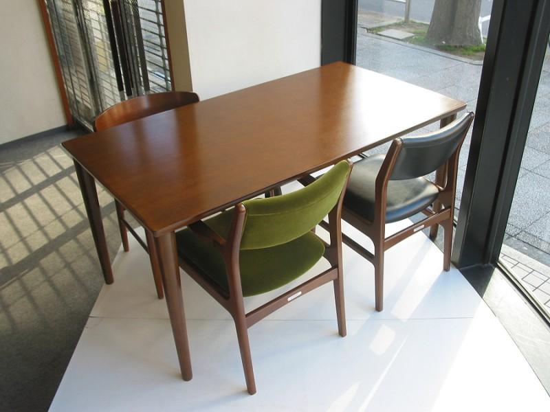 カリモク60+ ダイニングテーブル(W1500)ウォールナット色17