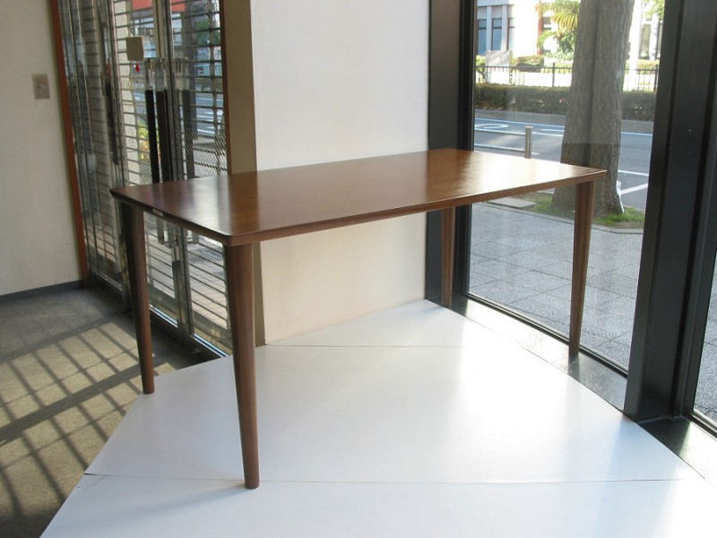 カリモク60+ ダイニングテーブル(W1500)ウォールナット色9