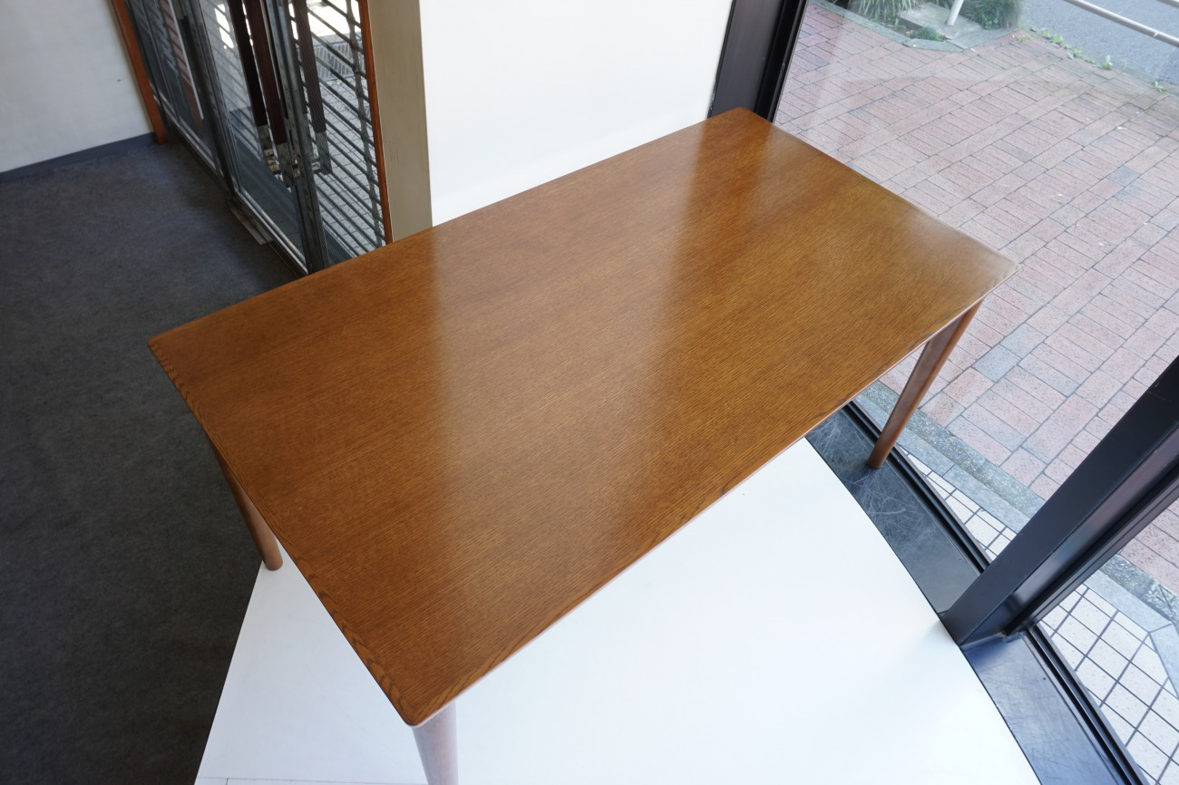 カリモク60+ ダイニングテーブル1500 ウォールナット色の新仕様オーク突板
