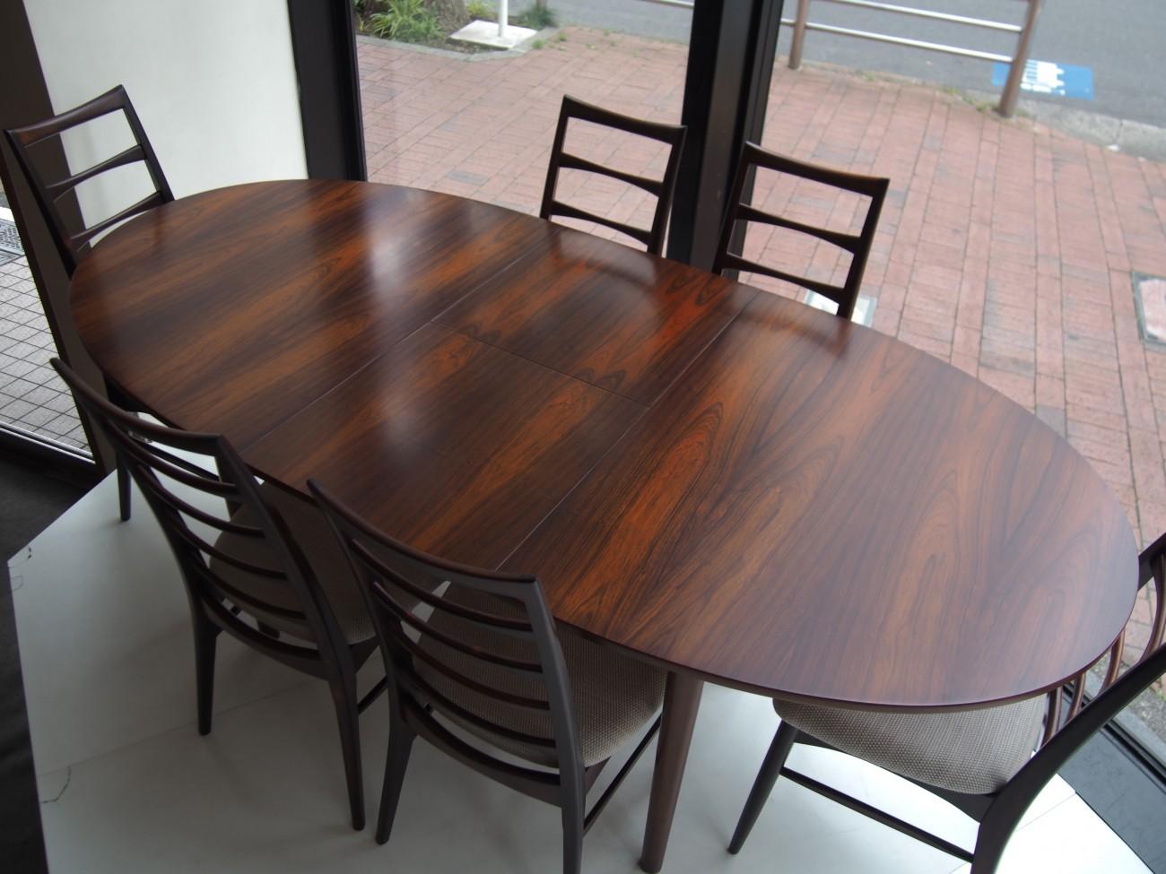 ニールス・コフォード Liz ローズウッドチェアとエクステンションダイニングテーブル A.H.McINTOSH(マッキントッシュ) & CO LTD KIRKCALDY SCOTLAND ビンテージ北欧家具のセット 拡張時