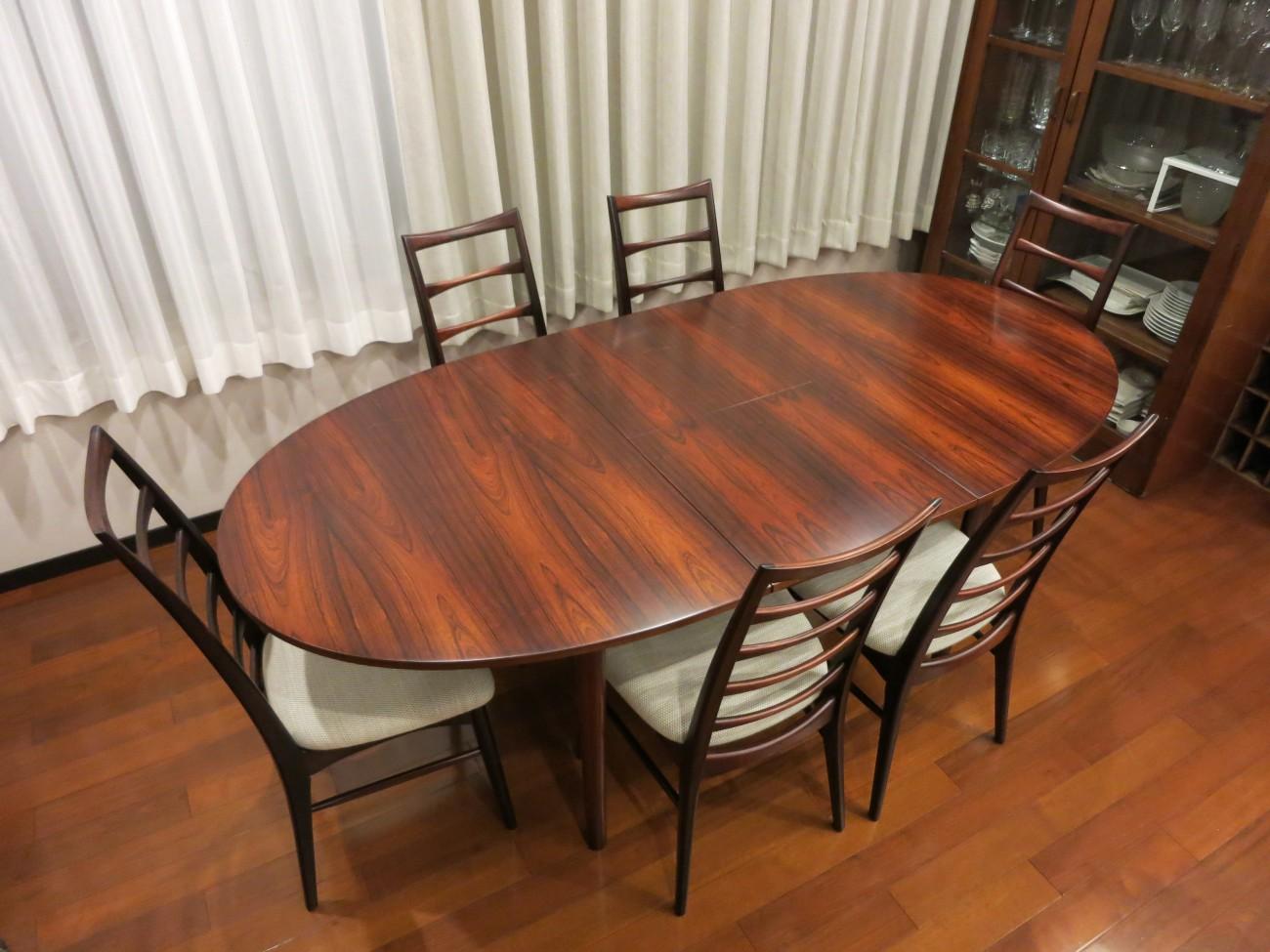 ニールス・コフォード Liz ローズウッドチェアとエクステンションダイニングテーブル A.H.McINTOSH(マッキントッシュ) & CO LTD KIRKCALDY SCOTLAND ビンテージ北欧家具のセットのお部屋での写真1
