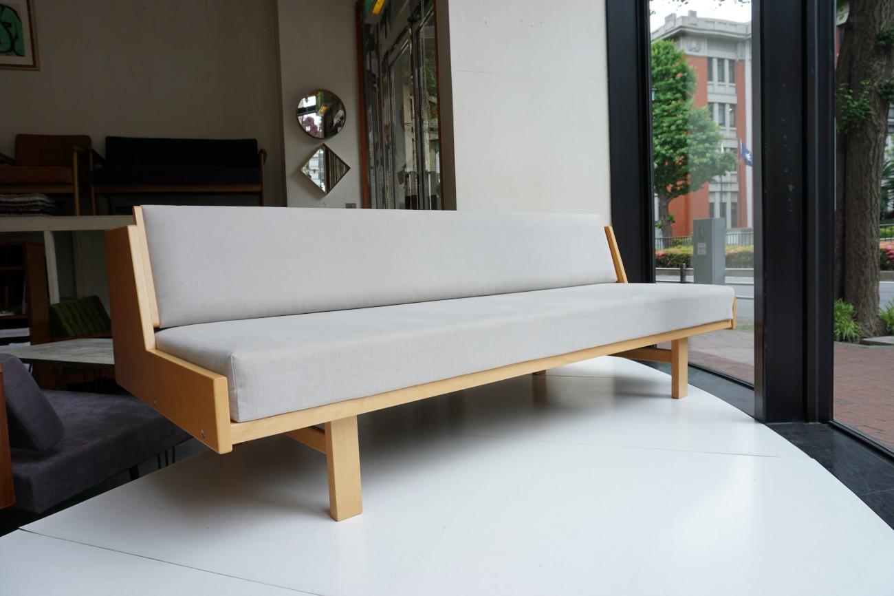 ハンスウェグナーデザインの美しいデイベッド