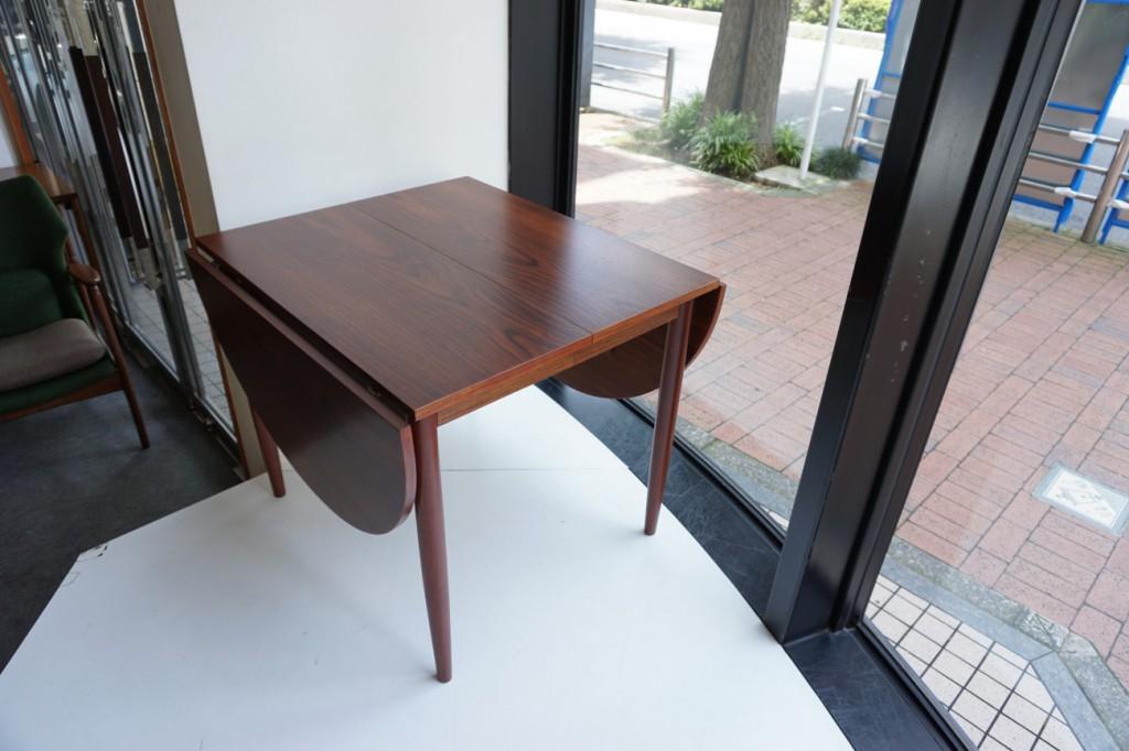ビンテージのバタフライテーブル