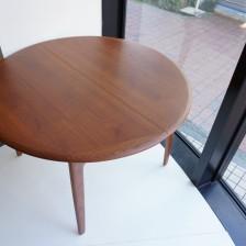 Svend Aage Madsenのエクステンションダイニングテーブル