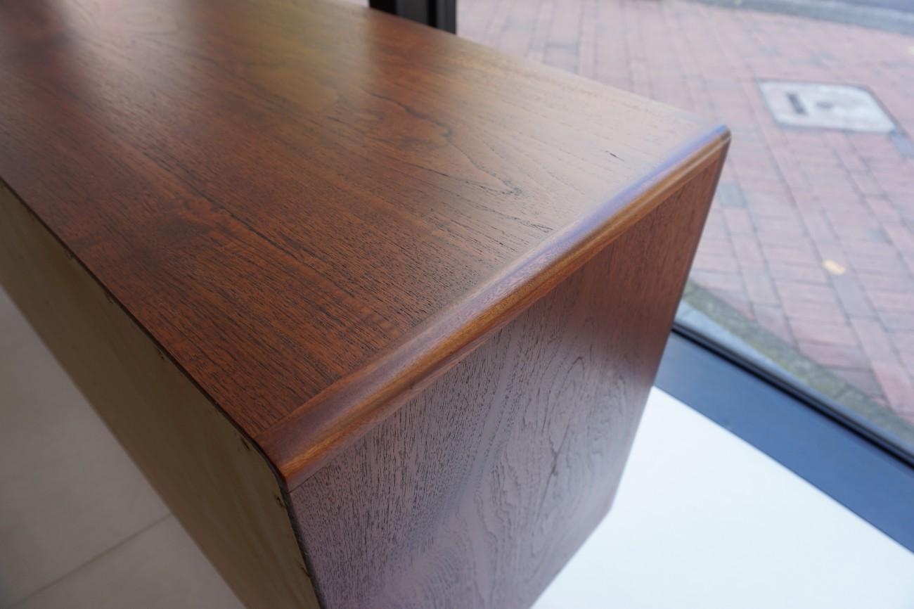 ビンテージ北欧家具 サイドボード ブラック×チーク