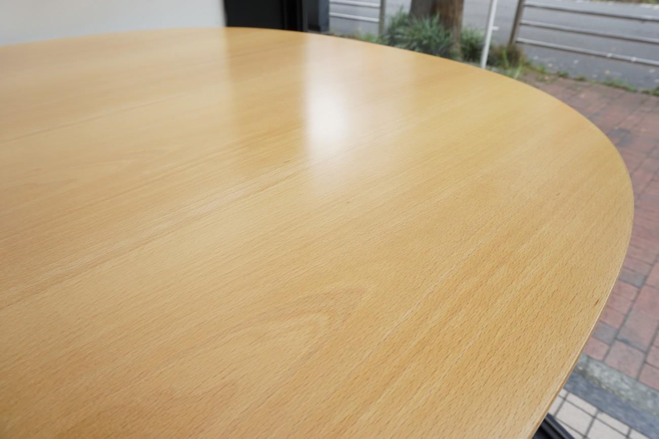 Fritz Hansen(フリッツハンセン) スーパー円テーブル(Bテーブル)天板の再仕上げ・修理のご依頼 / Bruno Mathsson(ブルーノ・マットソン)、Piet Hein(ピート・ハイン)、ARNE JACOBSEN(アルネ・ヤコブセン)
