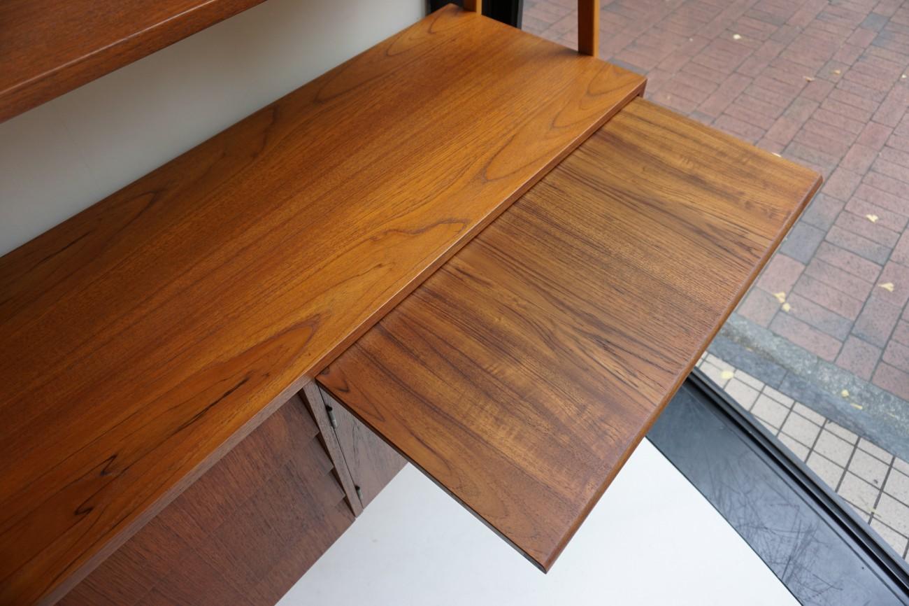 ビンテージ北欧家具のオープンシェルフ チーク材