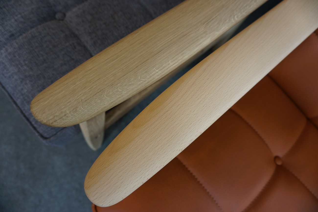 カリモク60のピュアビーチとピュアオークの比較