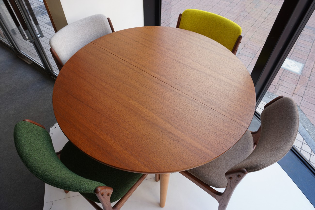FARSTRUP Dining table(Teak×Beech) / チークxビーチ エクステンション ラウンドダイニングテーブルとErik Buch(エリックバック)Model49 チェア(チーク)Kvadrat(クヴァドラ)