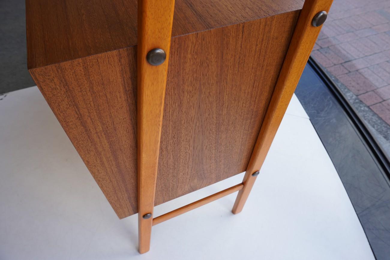 Open shelf / チーク ビンテージ オープンシェルフを展示致しました。