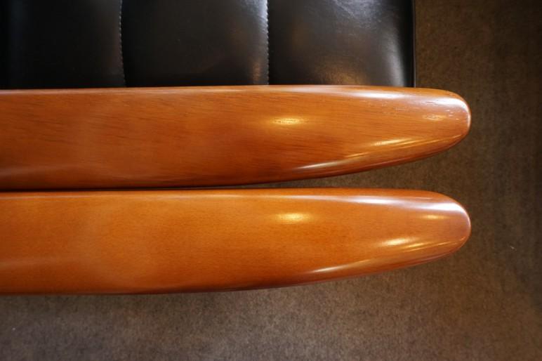 カリモク60 Kチェア 新旧フレーム(ブナ・ラバートリー材/ウォールナット色)